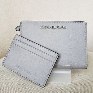 878ef2dc92f1 ... Wallet lilac NWT Michael Kors MD Card Case Carryall pearl Grey ...